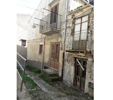 Photos for sh 608 town house, Caccamo, Sicily