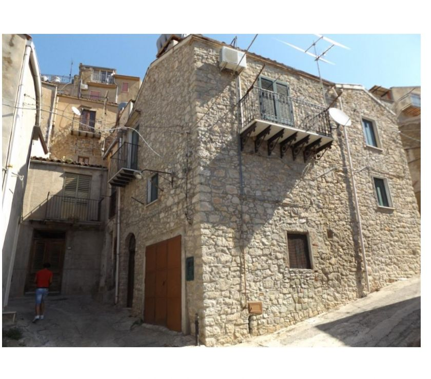 Property for Sale Hertfordshire Barnet - Photos for sh 650 town house, Caccamo, Sicily