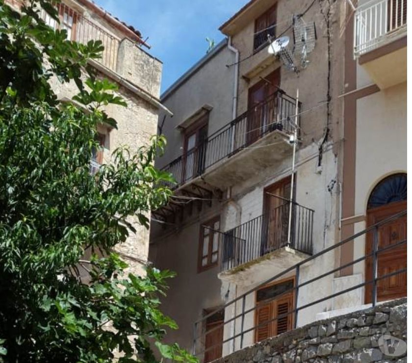 Photos for sh 634 town house, Caccamo, Sicily