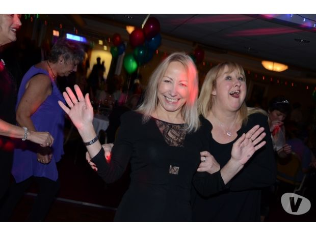sports clubs Essex Romford - Photos for BASILDON PARTY FOR 30s TO 60s: FRIDAY 9TH JULY