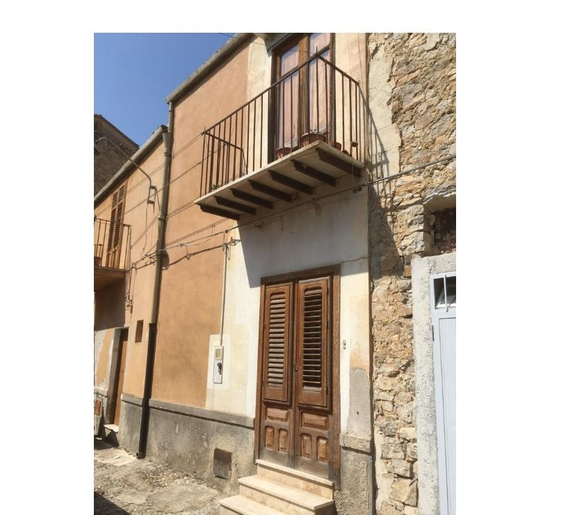 Property for Sale Hertfordshire Barnet - Photos for sh 652 town house, Caccamo, Sicily