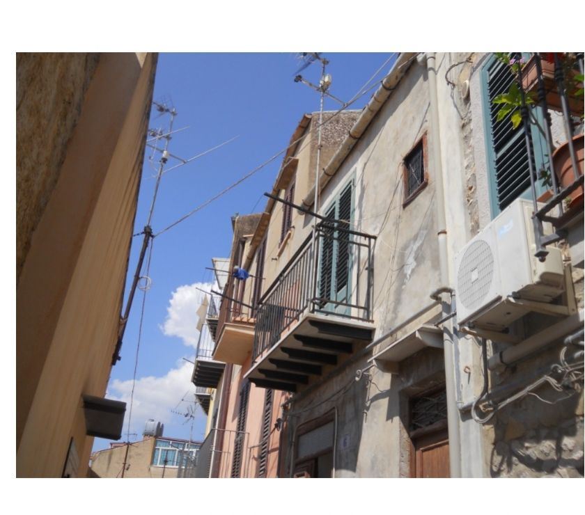 Property for Sale Hertfordshire Barnet - Photos for sh 675 town house, Caccamo, Sicily