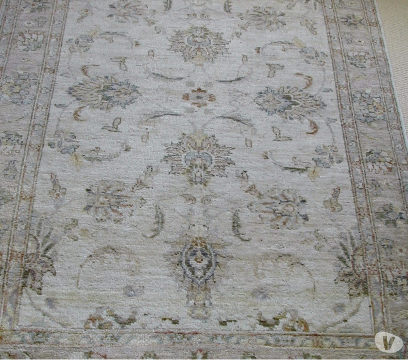 Furniture Lincolnshire Spalding - Photos for MEDIUM LARGE CREAM BEIGE BROWN NEUTRAL PERSIAN INDIAN ex con