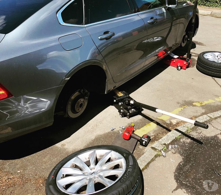 Photos for 24 Hiur Mobile Tyre Fitting