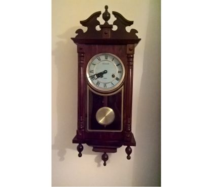 Photos for Lincoln 31-day wall clock