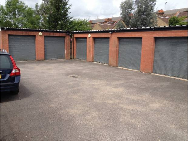 Photos for SECURE UNITS FOR RENT IN WATFORD 5 MINUTES WALK FROM STATION