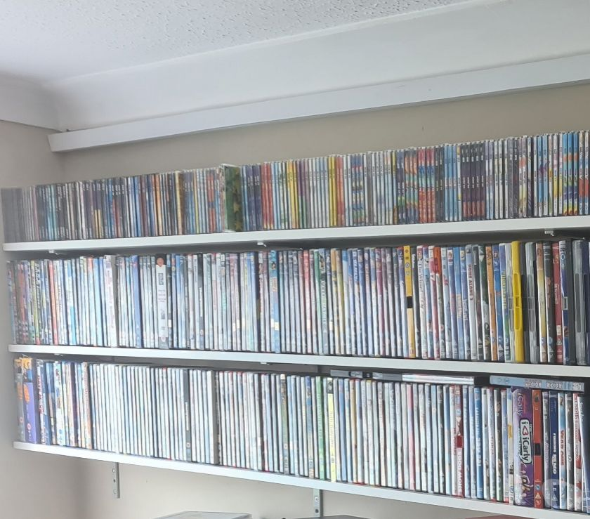 Cheap DVDs Central London Whitehall -SW1A - Photos for Now thats what I call music 1 to 109