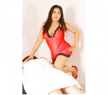 Photos for Thai aromatic hot oil massagerelaxing oil massage...LISA
