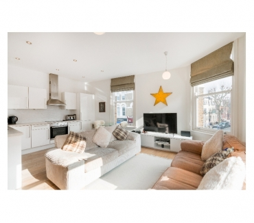 Photos for Large TWO DOUBLE BEDROOM apartment - Fulham Road, SW6