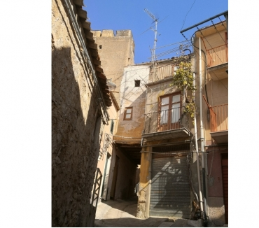 Photos for sh 653 town house, Caccamo, Sicily
