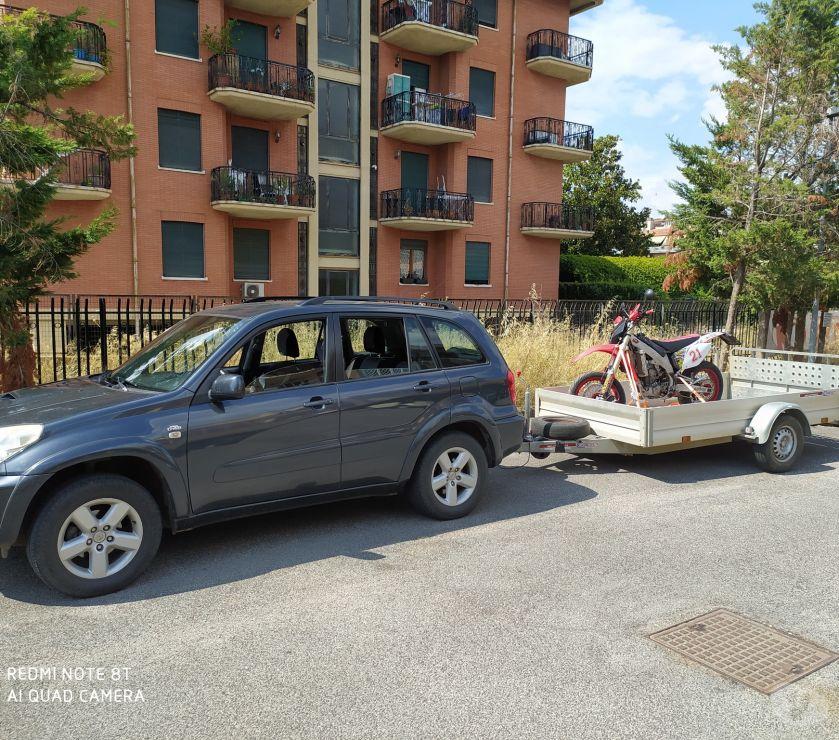 trasporti e traslochi Roma e provincia Roma - Foto di Vivastreet.it Patente BE trasporto Roulotte Caravan Moto Barche