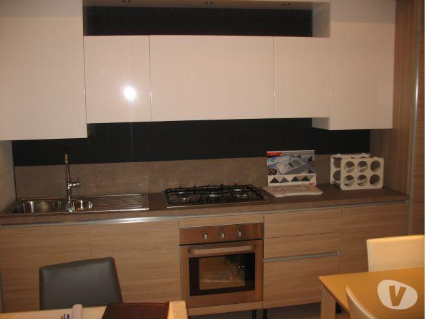 Outlet cucine esposizione a roma svendita cucine di mostra - Cucine outlet roma ...