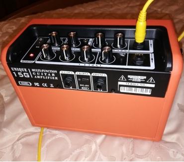 Foto di Vivastreet.it Amplificatore Fender 25R + radio shure + pedalini