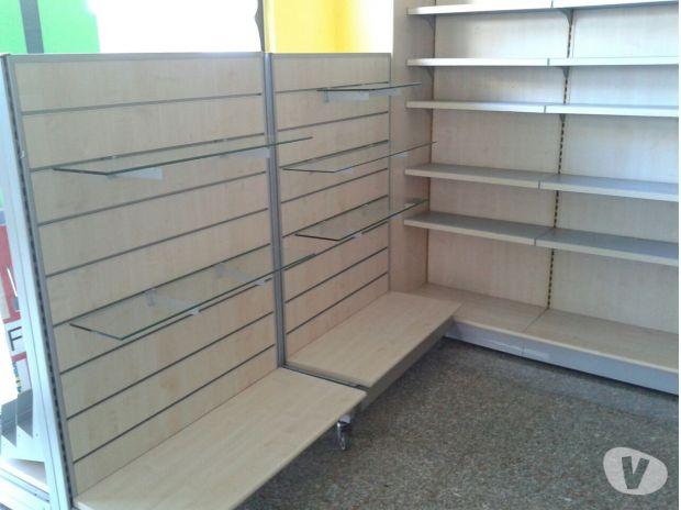 Vendita arredamento usato negozio cartoleria in vendita for Compro mobili usati