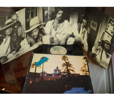 Foto di Vivastreet.it EAGLES - Hotel California - LP 33 giri 1976 + Poster