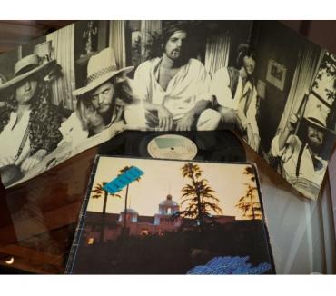 Foto di Vivastreet.it EAGLES - Hotel California - LP 33 giri 1976 + Poster