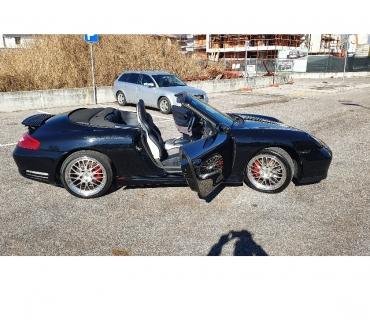 Foto di Vivastreet.it PORSCHE 996 Carrera 4 Cabrio ( CAMBIO MANUALE-BOOK SERVICE )