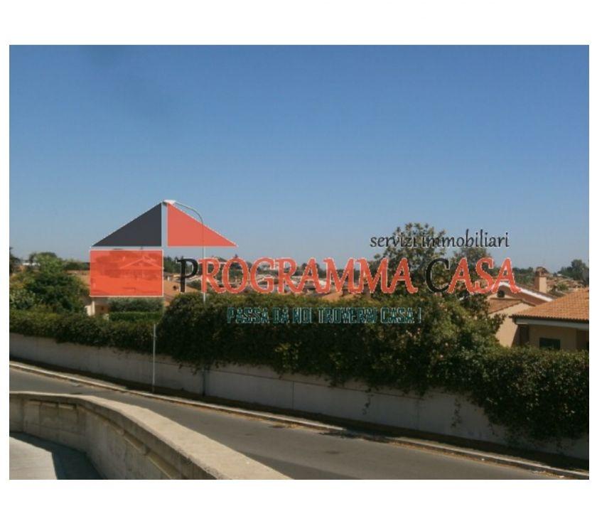 Foto di Vivastreet.it Pomezia 16 pini villa 250 mq. giardino 450 mq.