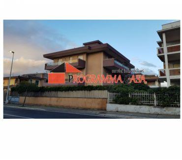 Foto di Vivastreet.it TORVAjANICA MARE SIRENE 1 P. 4 LOC. TERRAZZO MARE 105000 €