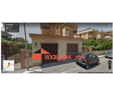 Foto di Vivastreet.it TORVAJANICA ViA RUMENIA BOX AUTO CELORI 30 MQ 21000 €