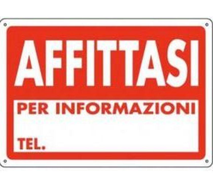 Foto di Vivastreet.it Bergamo Grumellina, capannone di 700 mq, h 8 m