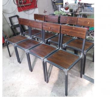 Foto di Vivastreet.it tavoli,sedie,sgabelli,scaffali legnoferro