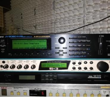Foto di Vivastreet.it Roland JV2080 + Korg M3R + M1rex + card