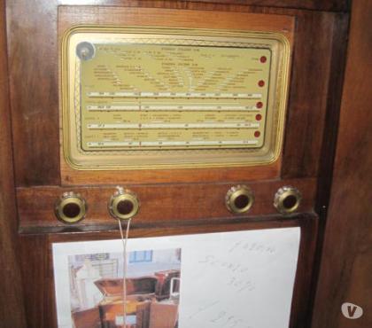 Foto di Vivastreet.it GIRADISCHI ANNI '20 COD.13399 CON RADIO PHILIPS FUNZIONANTE