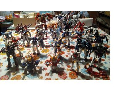 Foto di Vivastreet.it 27 modellini action figures GUNDAM e simili