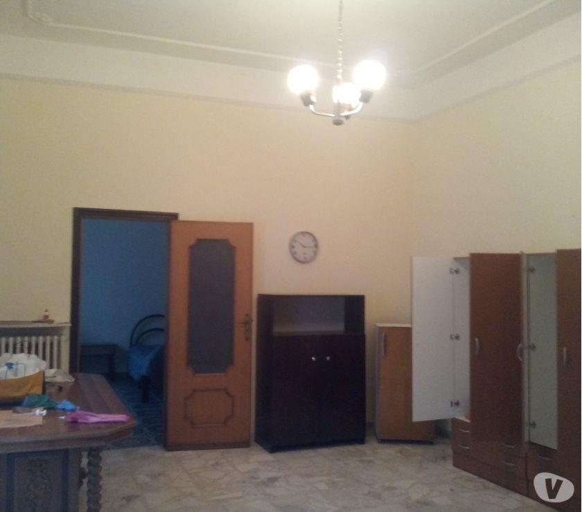 Foto di Vivastreet.it Camera arredata singola zona piazza Pavoncelli € 200