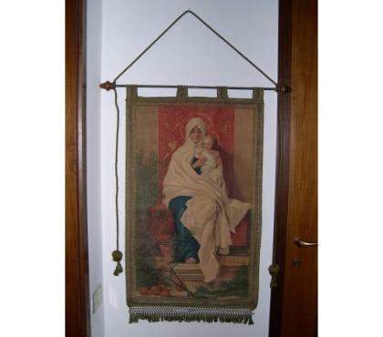 Foto di Vivastreet.it Antico stendardo religioso, Madonna con bambino