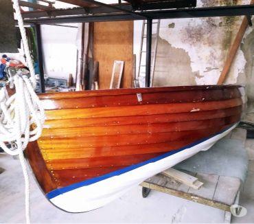 Foto di Vivastreet.it barca antico DINGHY in legno restaurata a nuovo Anno 1940