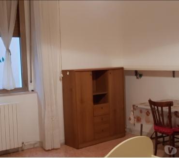 Foto di Vivastreet.it Camera singola arredata € 170 zona piazza San Francesco