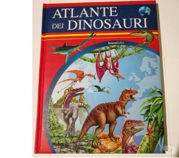 Foto di Vivastreet.it Atlanti dei Dinosauri con bellissime illustrazioni, 2 libri