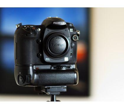 Foto di Vivastreet.it FUJI S5 Pro attacco NIKON + Battery grip NIKON