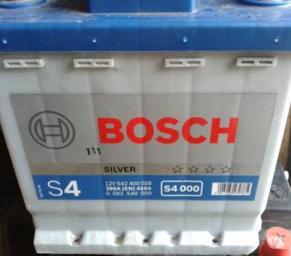 Foto di Vivastreet.it Batteria per auto - Bosch S4 000 390A (EN) 42Ah