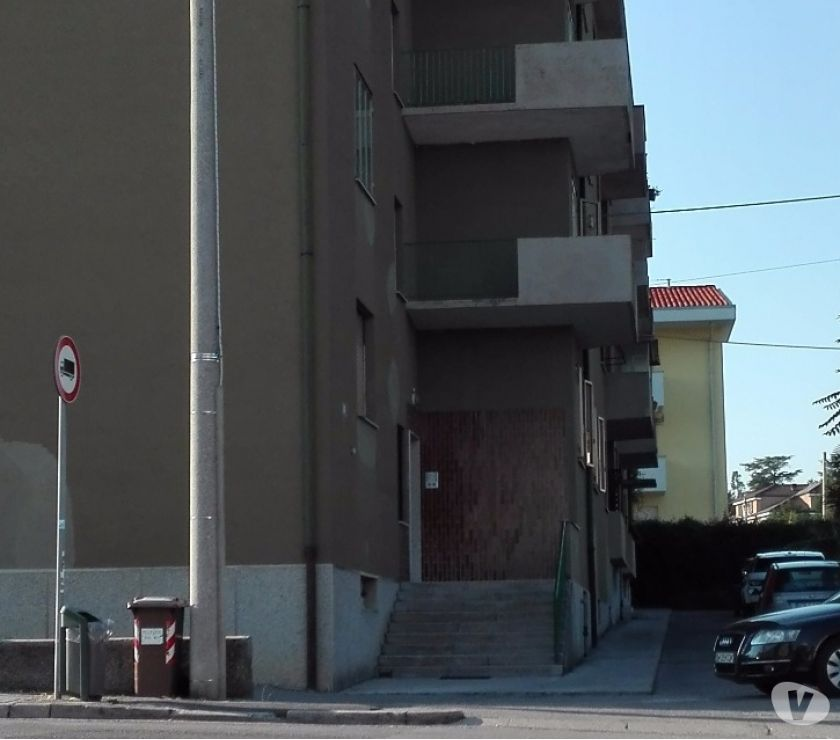 Foto di Vivastreet.it privato cede box 15 mq c storico 50 e MENSILI