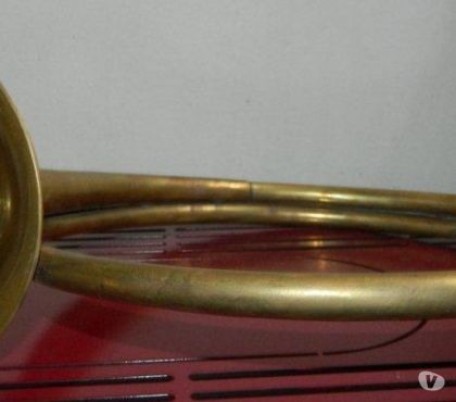 Foto di Vivastreet.it Tromba da caccia tromba Morutto Chitarra dischi libri