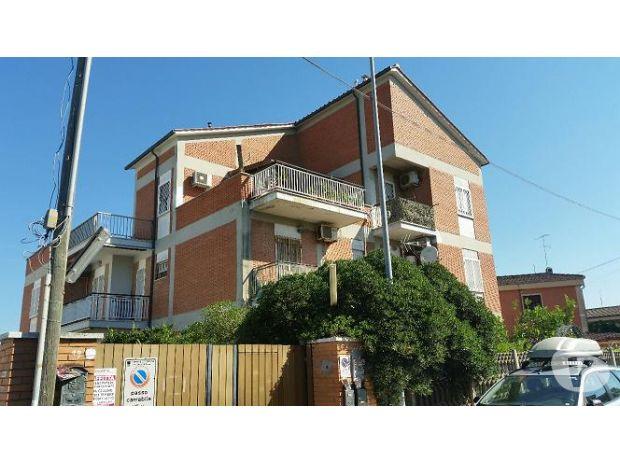 Appartamento Vacanze Roma e provincia Pomezia - Foto di Vivastreet.it POMEZIA CAMPO ASCOLANO APPARTAMENTO TRILOCALE 60 MQ.