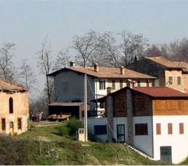 Foto di Vivastreet.it Antico Borgo in vendita con rustici adibito a B&B e terreno