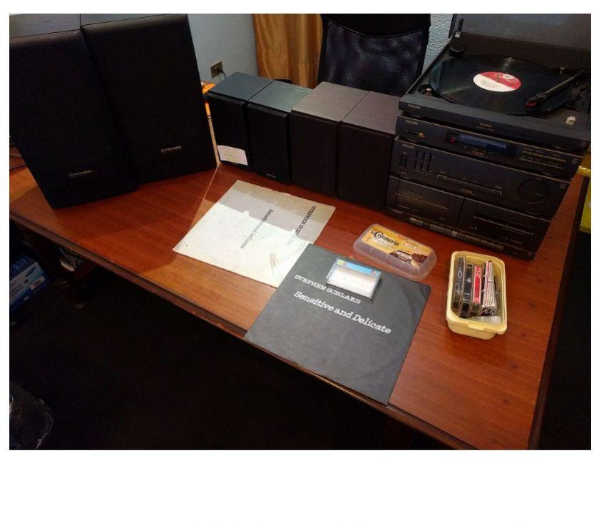 Foto di Vivastreet.it Stereo Philips con giradischi e casse acust. Pioneer e Sharp