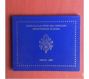 Foto di Vivastreet.it Serie divisionale Vaticano 2007