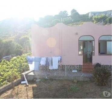 Foto di Vivastreet.it Isole Eolie Lipari,-cod.ve 933- casa con terrazze,giardino