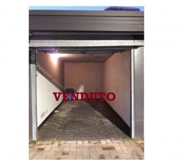 Foto di Vivastreet.it Comodo Box Milano Affori via F. Faccio