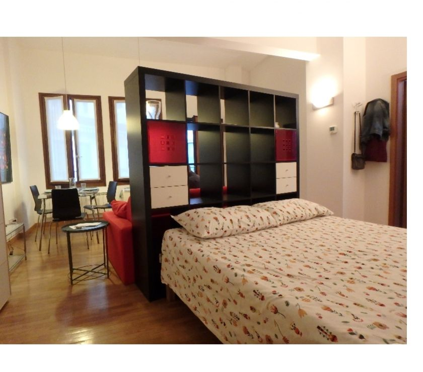 affitti breve termine Milano e provincia Milano - Foto di Vivastreet.it grandemonolocale,zona letto SANIFICAZIONE CERTIF. C.marcello