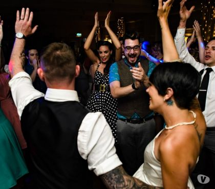 Foto di Vivastreet.it COVER BAND DAL VIVO PER MATRIMONI ED EVENTI DI QUALITA'
