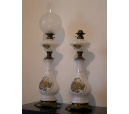Foto di Vivastreet.it Antiche lampade a petrolio in opaline con dipinti