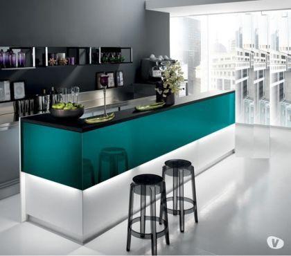 Foto di Vivastreet.it banco bar moderno e classico Pub happy hour