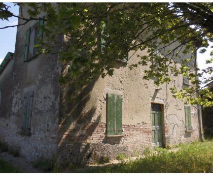 Foto di Vivastreet.it Rustico da ristrutturare indipendente con giardino Fidenza