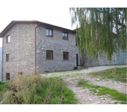 Foto di Vivastreet.it Rif. 501 panoramico casale con 65 ettari vic Spello